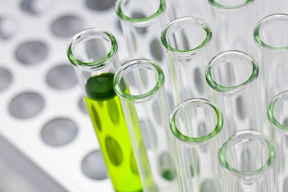 روز علوم آزمایشگاهی در ایران